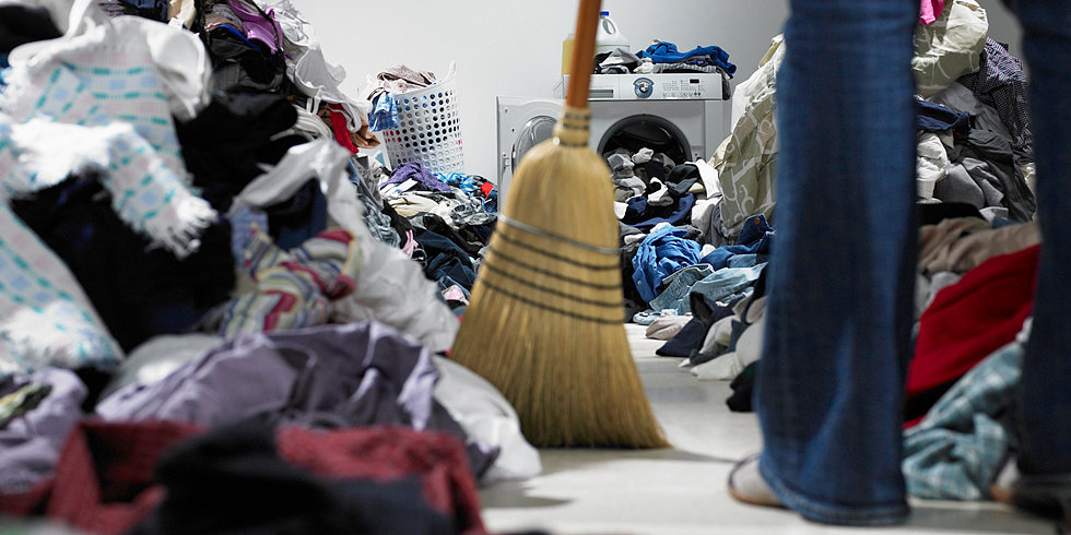3 Tips For Moms Who Live With Slobs