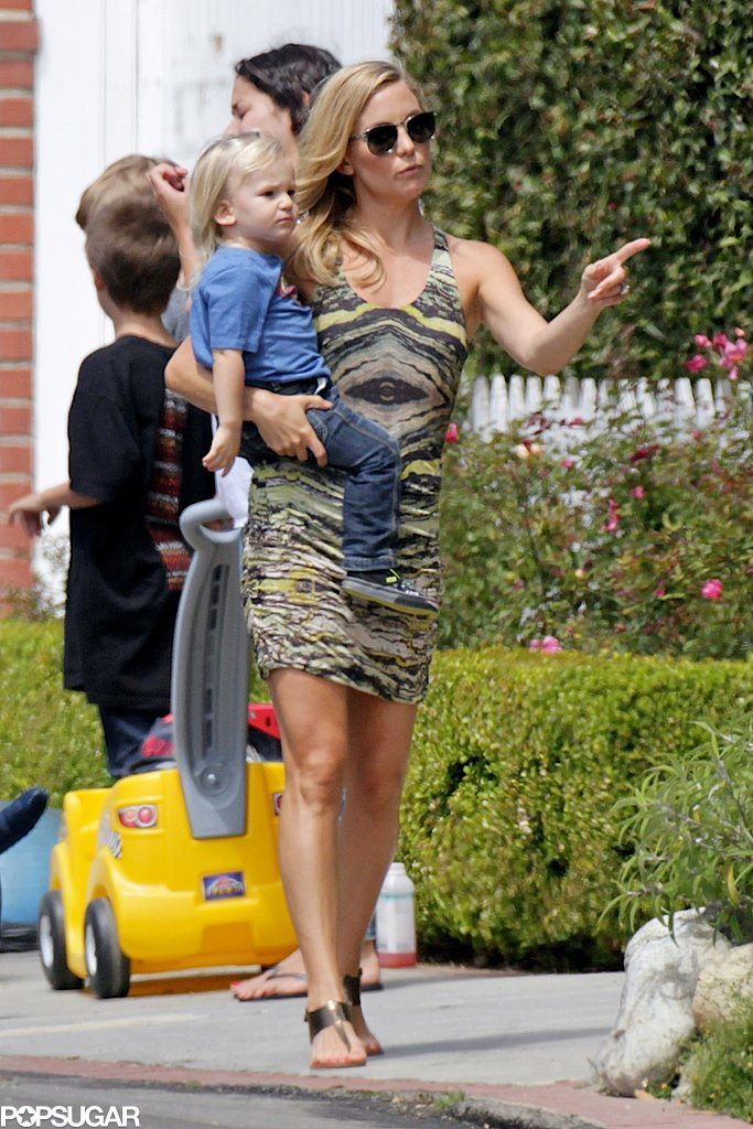 Kate Hudson arrived at her son Ryder's lemonade stand with her younger son, Bingham Bellamy, in tow.