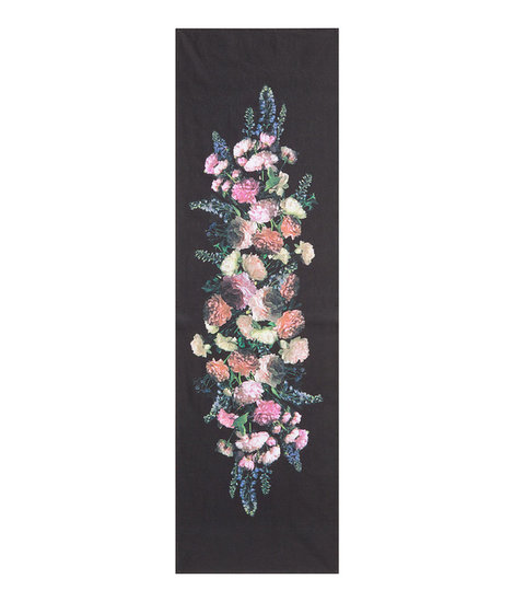 We have a hunch that Dolce & Gabbana use a very similar table runner ($10).