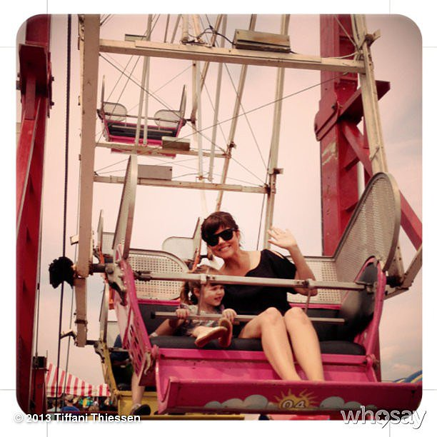 Tiffani Thiessen and Harper Smith enjoyed the Ferris wheel at Super Saturday in the Hamptons.  Source: Instagram user tathiessen