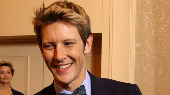 "Gabriel Mann Says ""Clothes Are Coming Off and Cocktails Are Getting Served"" on Revenge"