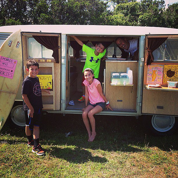 Jerry and Jessica Seinfeld's kids had one of the coolest lemonade stands we've ever seen. Source: Instagram user jessseinfeld
