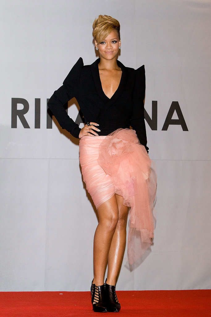 For the Seoul stop of her 2010 Rated R promotional tour, the songstress went from runway to red carpet donning a structured Alexandre Vauthier blazer and frothy Isaac Mizrahi wrap skirt.