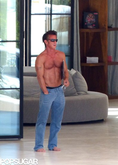 Sean Penn went shirtless during his Spanish vacation.