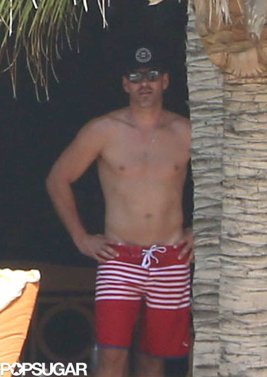 Shirtless Eddie Cibrian relaxed in Cabo.