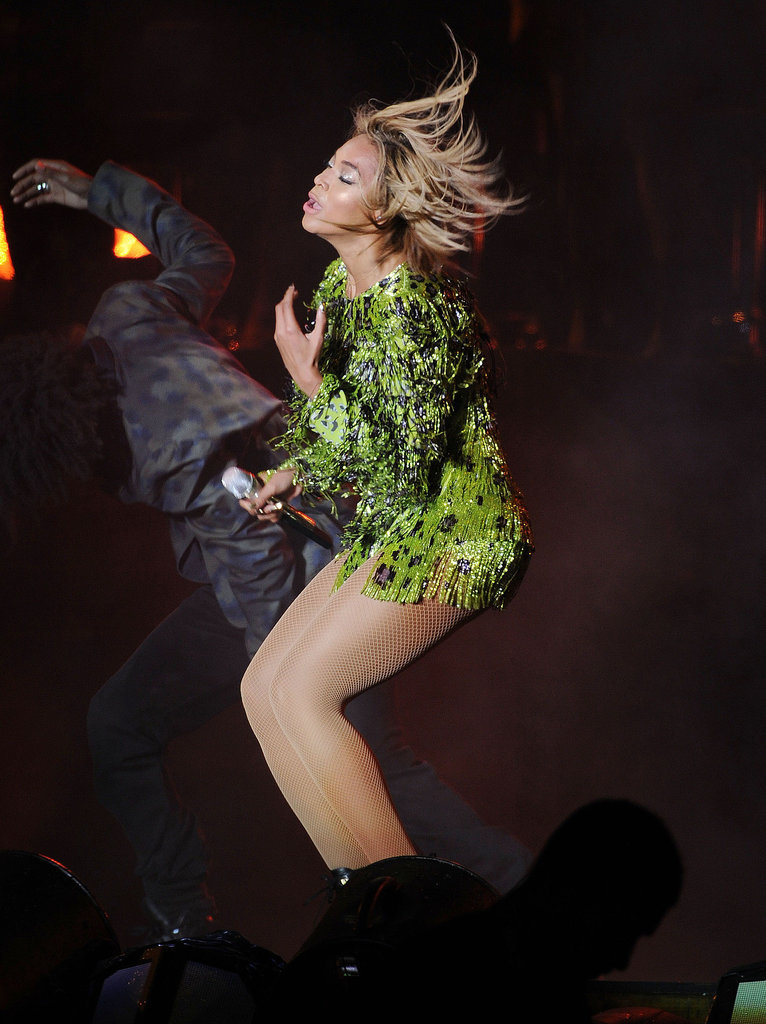 Phew! Beyoncé Still Nails the Hair Flip, Even With a Bob