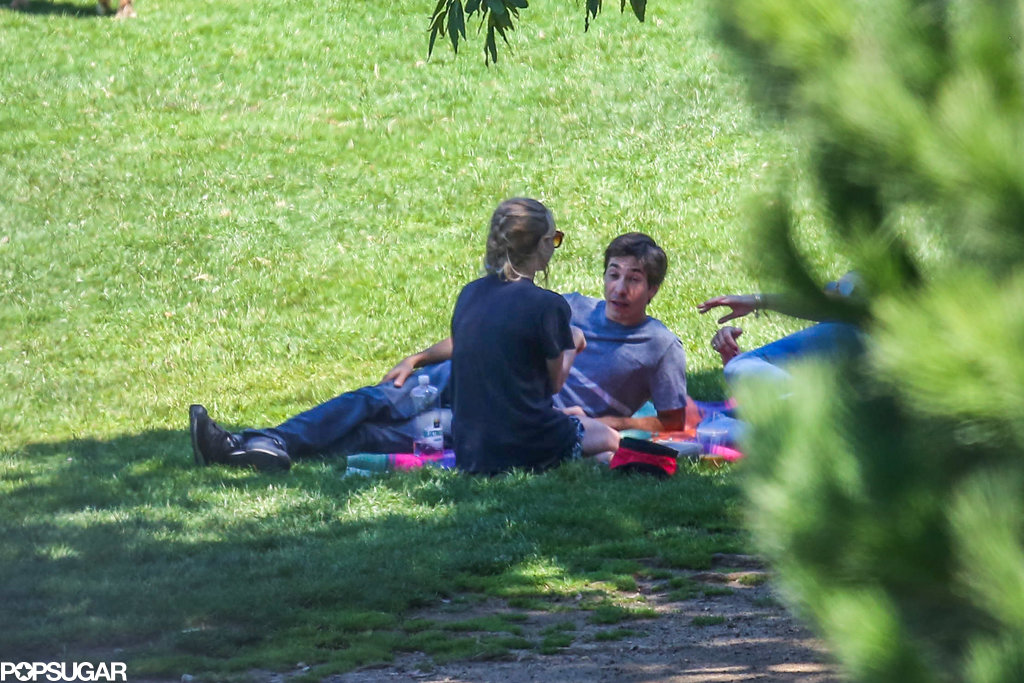 Amanda Seyfried and Justin Long relaxed in the shade at a park in LA.