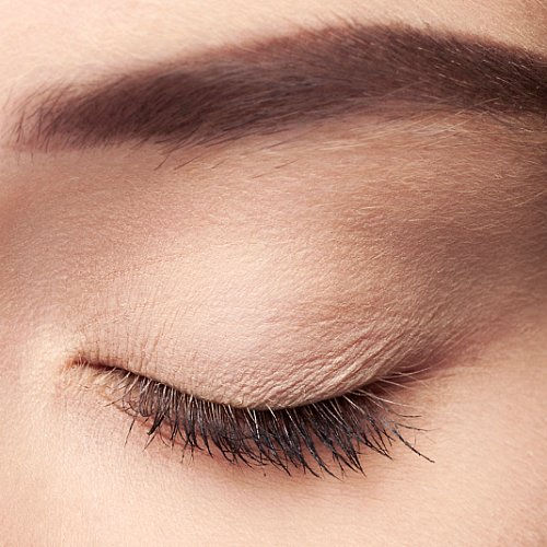 How to Prevent Concealer From Creasing and Caking