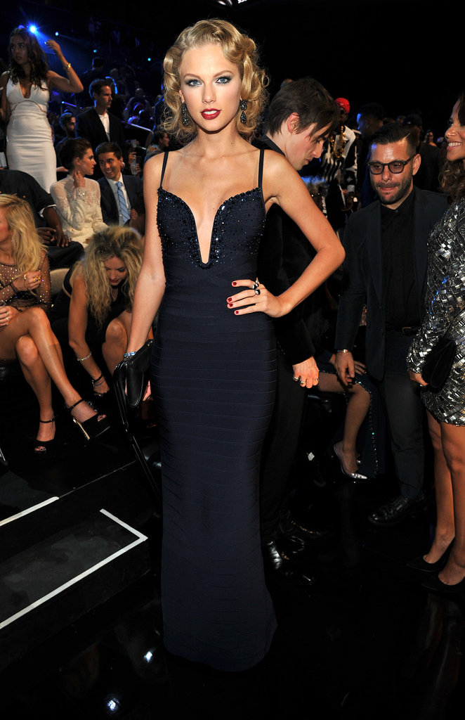 Taylor Swift Gets Lots of Love at the VMAs