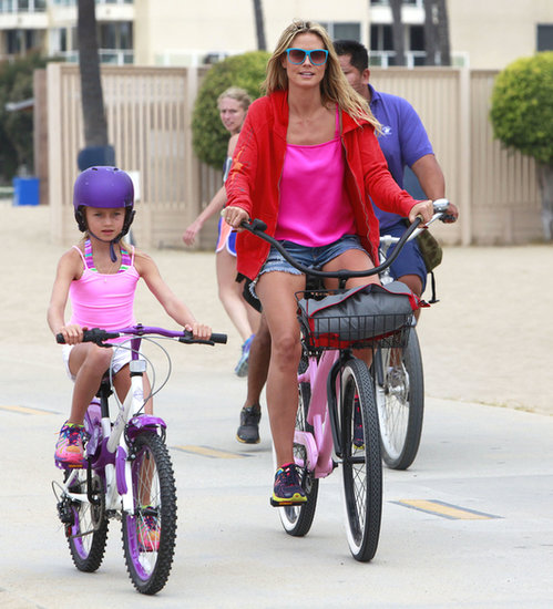 Heidi Klum and Leni Samuel went for a beachy bike ride in Santa Monica.
