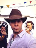 Messina photobombed Barinholtz. Source: Twitter user ikebarinholtz