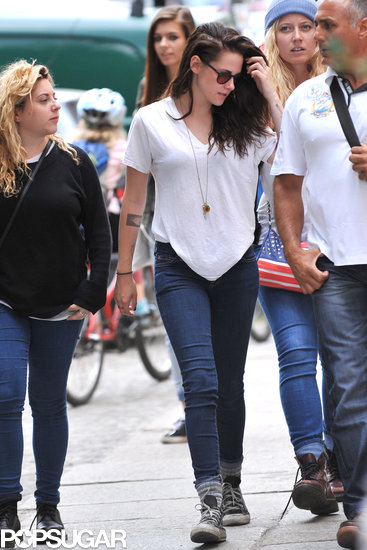 Kristen Stewart went sightseeing in Berlin with friends.