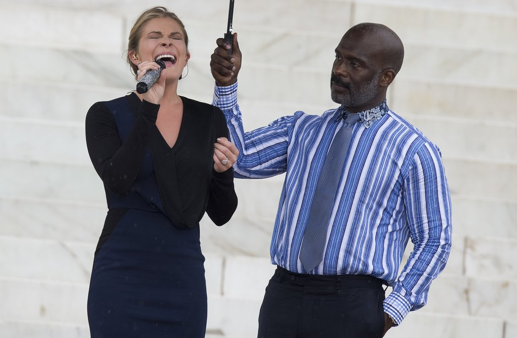 "LeAnn Rimes performed ""Amazing Grace"" on the steps of the Lincoln Memorial."