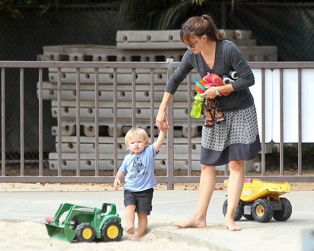 Jennifer Garner and Samuel Affleck played with toys at the park.