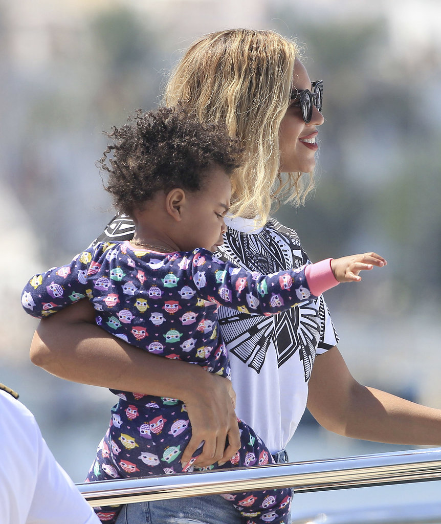 Beyoncé hopped aboard a yacht with Blue Ivy in Ibiza, Spain.
