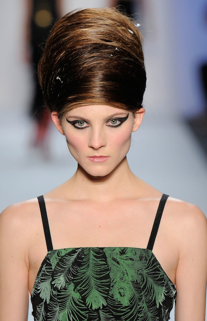 Beehives went into volume overload at the Ivana Helsinki show back in Fall 2011.