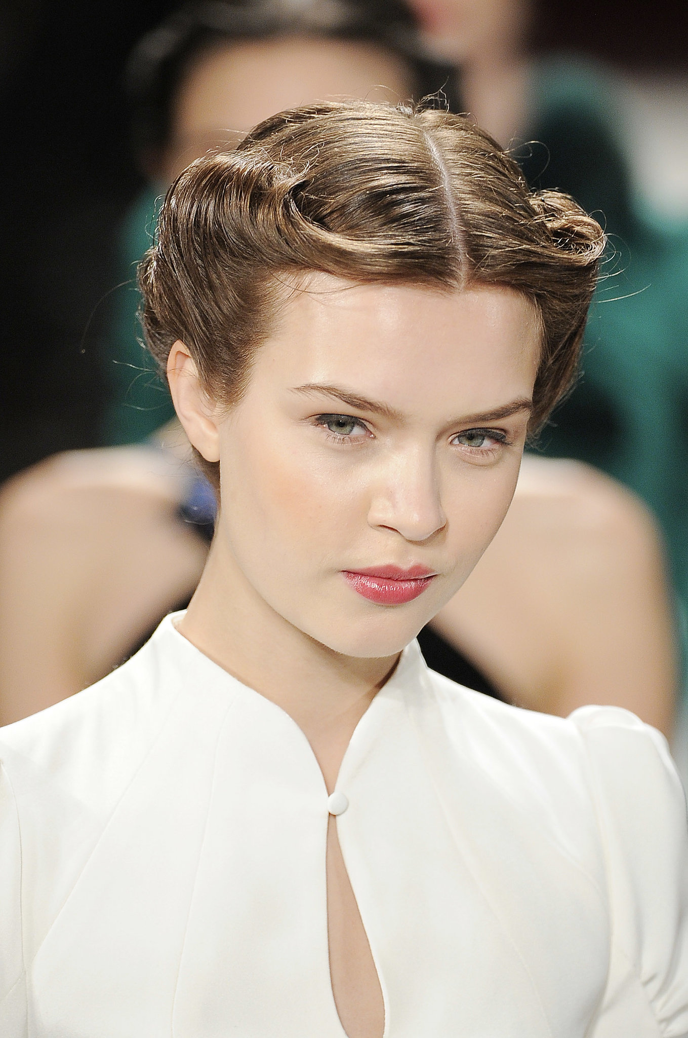5 minute hairstyles for short hair : chic 40s-style rolled updo kept the hair off the face of models in ...