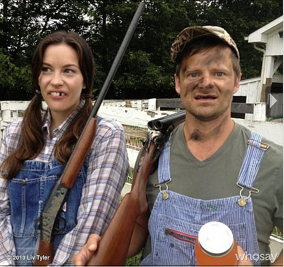 That Thing You Do costars Liv Tyler and Steve Zahn reunited for a funny photo shoot in Kentucky. Source: Liv Tyler on WhoSay