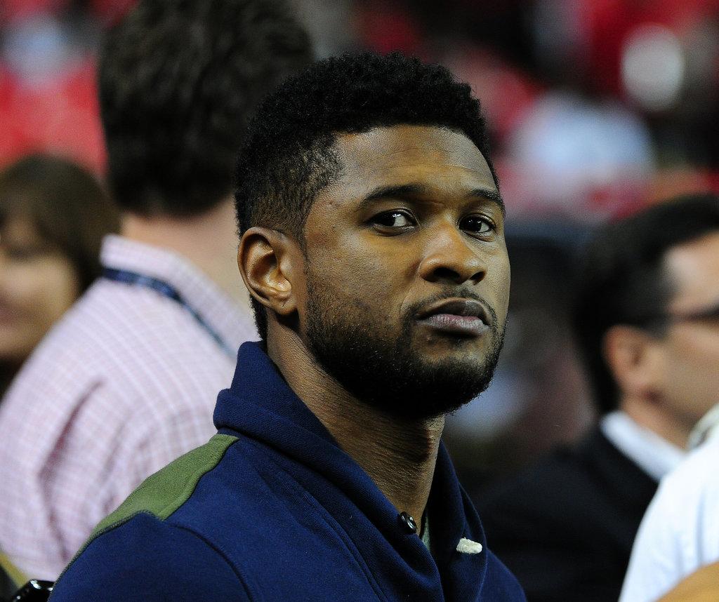 Usher took in a Philadelphia Eagles vs. Atlanta Falcons game in September 2011.