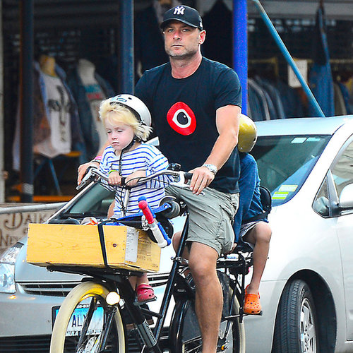 Naomi Watts and Liev Schreiber With Kids on Bikes | Pictures