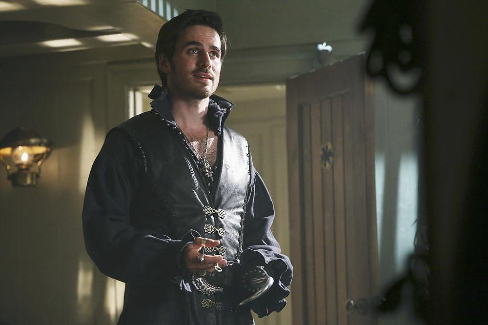 Reunite With the Once Upon a Time Gang in the Premiere Pictures