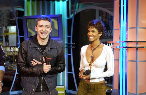 Justin Timberlake and Halle Berry cracked up during a 2002 episode of TRL.