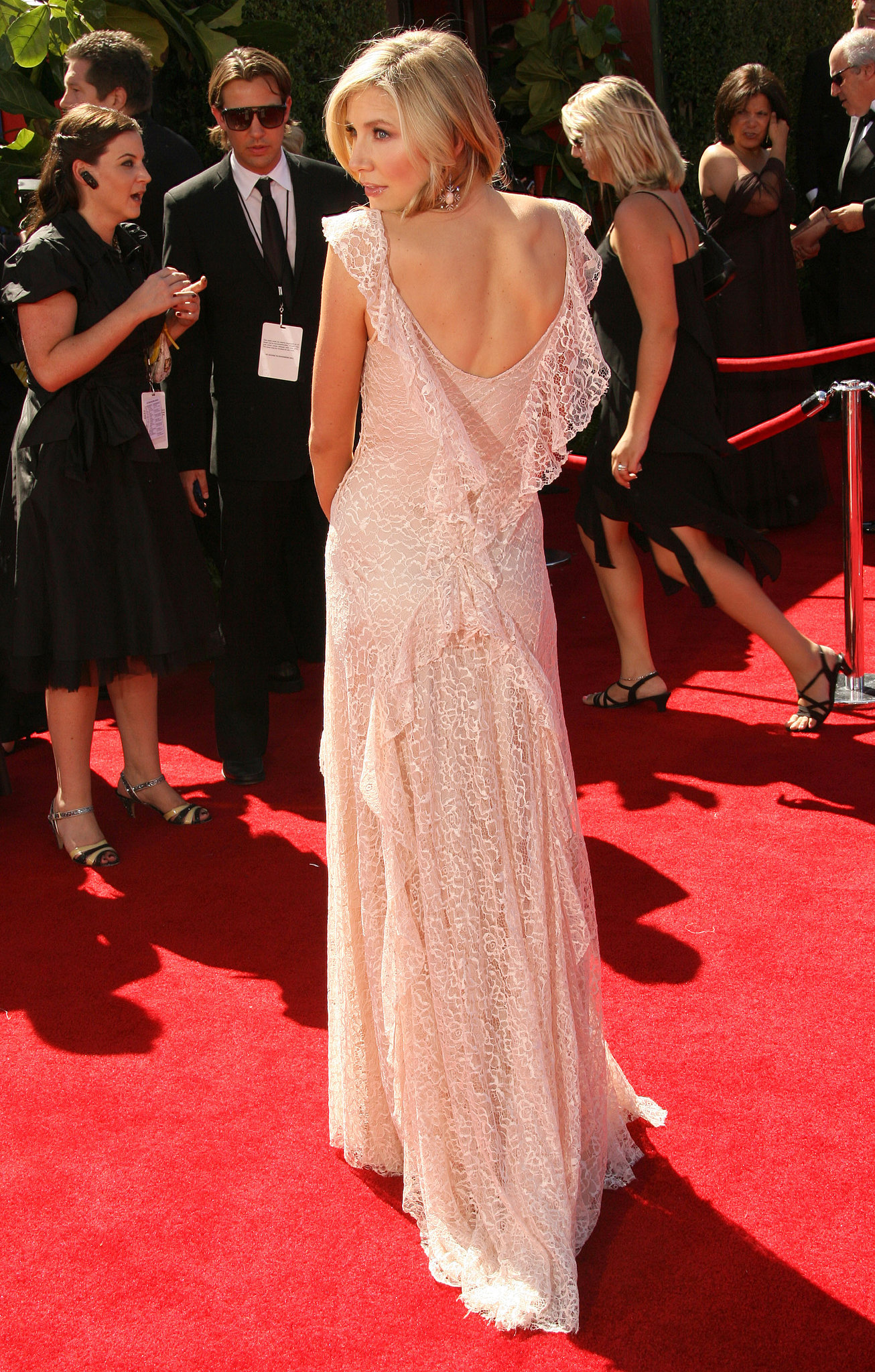 Sarah Chalke showed off all angles of her beaded dress in 2006.