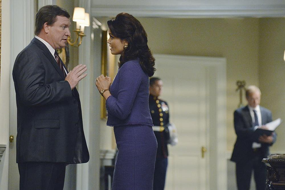 Stoney Westmoreland and Bellamy Young in the season premiere of Scandal.