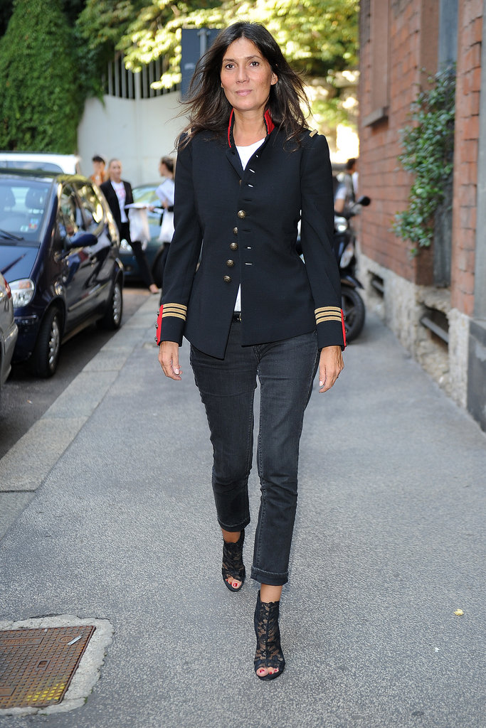 Emmanuelle Alt headed into the Alberta Ferretti runway show in a military-inspired topper.
