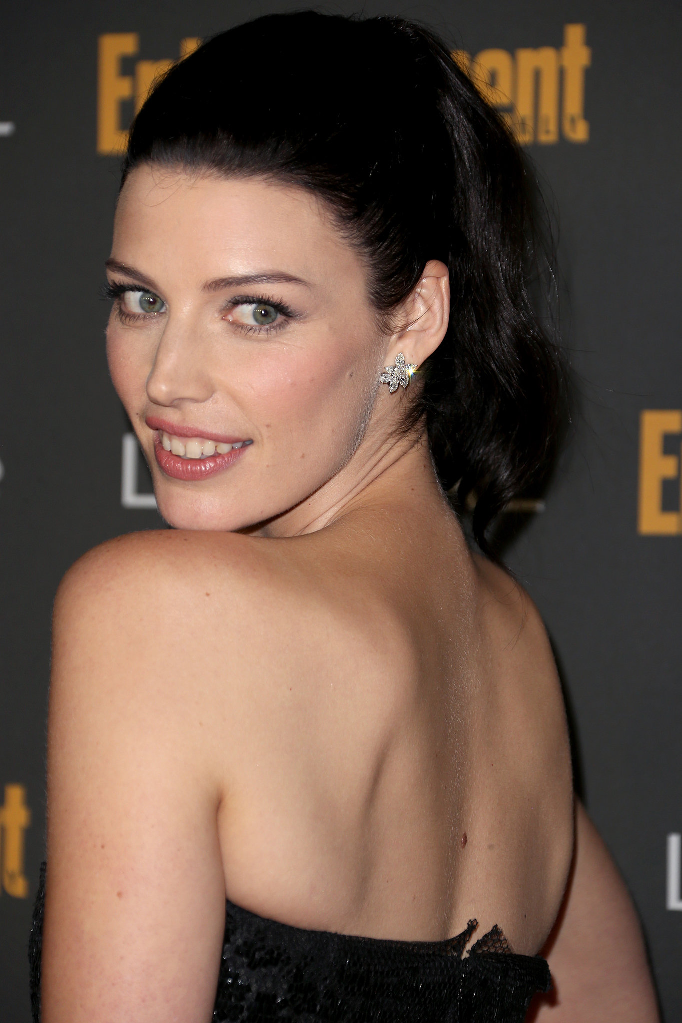 Jessica Paré opted for a flirty ponytail at Entertainment Weekly's pre-Emmys party.