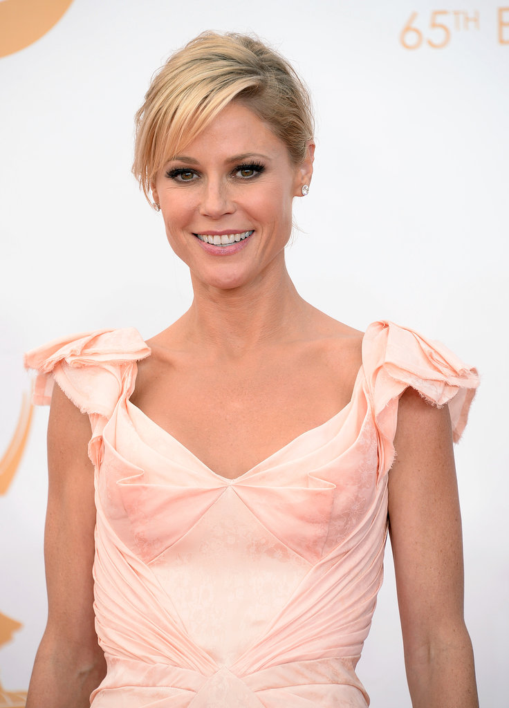 Julie Bowen looked stunning in many different shades of pink, and her hair was elegantly styled in an off-center chignon.