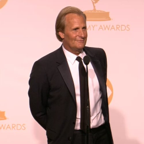 Jeff Daniels Emmy Awards Backstage Interview | Video
