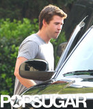 Liam Hemsworth sported a clean-shaven look.