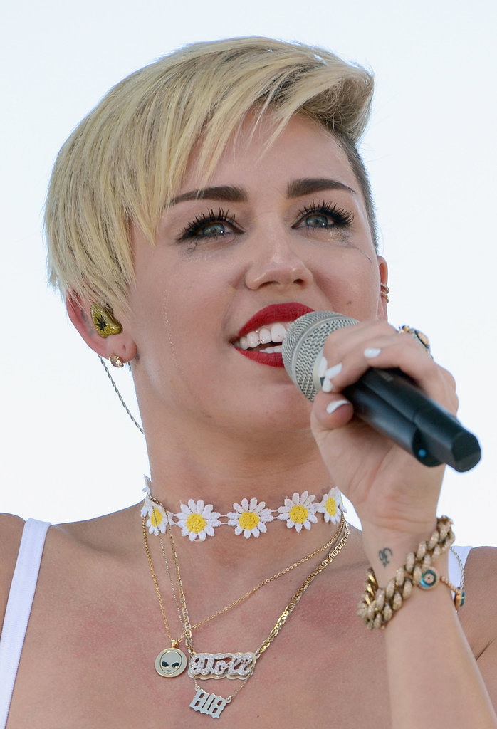 Miley Cyrus let out a good cry (and we don't blame her) while singing at the festival. Waterproof mascara: who needs it?
