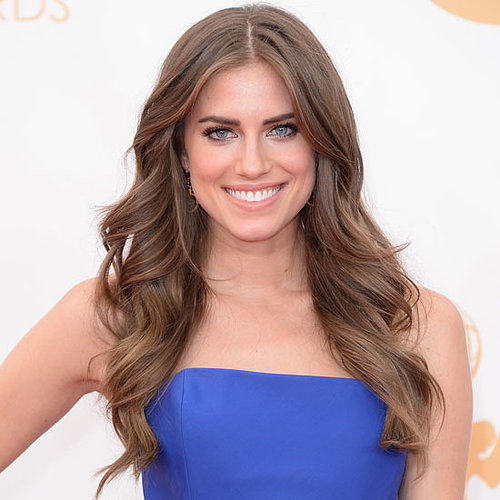 Picture of Allison Williams at the 2013 Emmy Awards