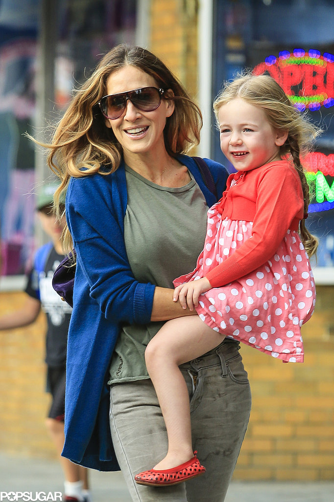 Sarah Jessica Parker smiled with her daughter Loretta.