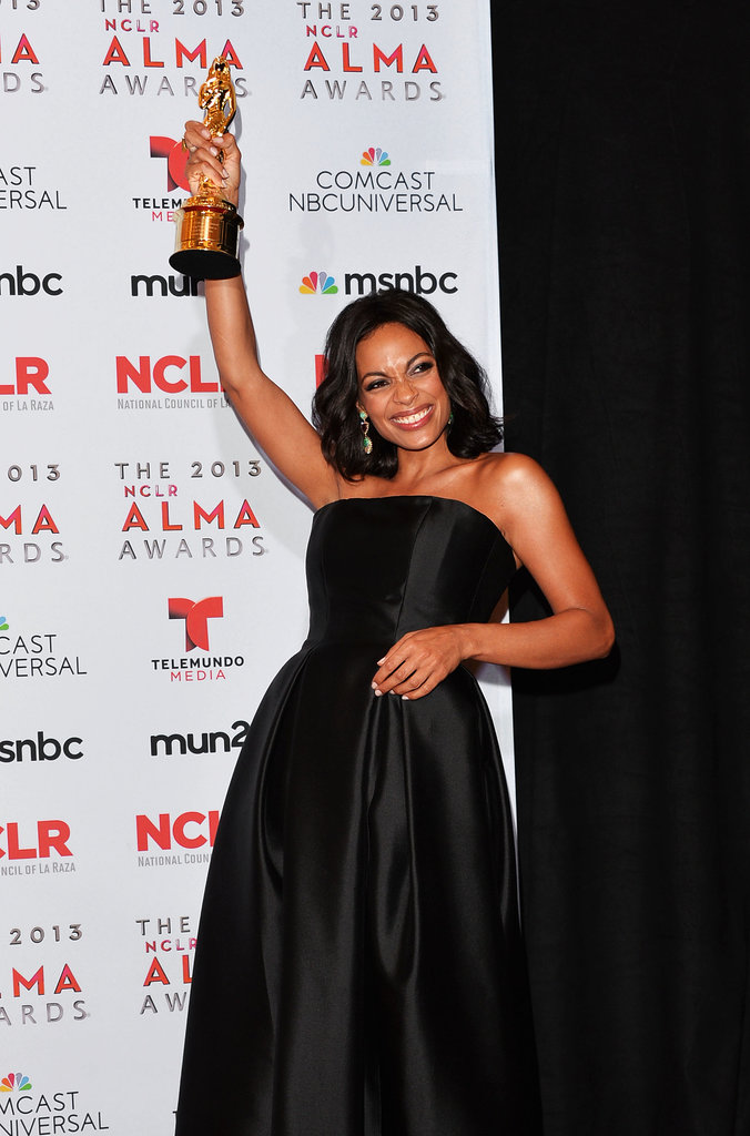 Rosario Dawson held up her award at the ALMA Awards.