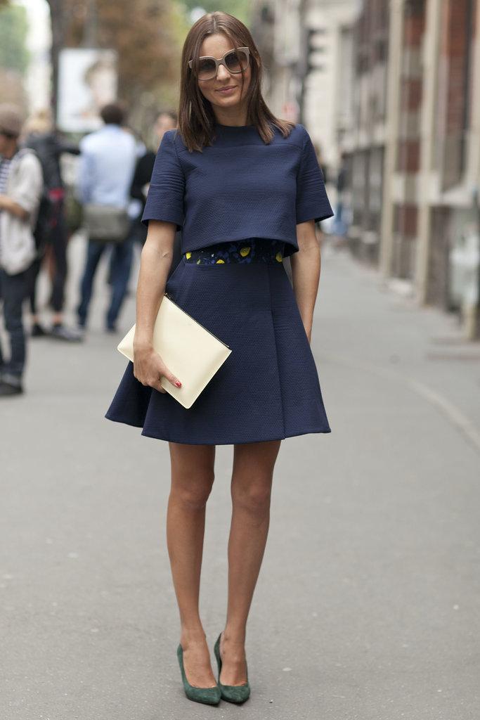 http://media4.onsugar.com/files/2013/10/01/702/n/1922564/2e08c4e54839c6df_ParisStreet6_SS14_0017.xxxlarge/i/chic-outfit-deserves-chic-clutch.jpg