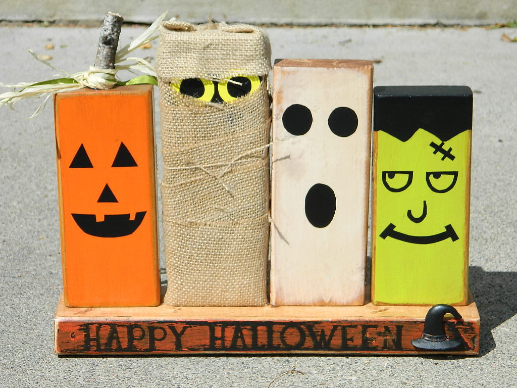 Wooden Halloween Decoration