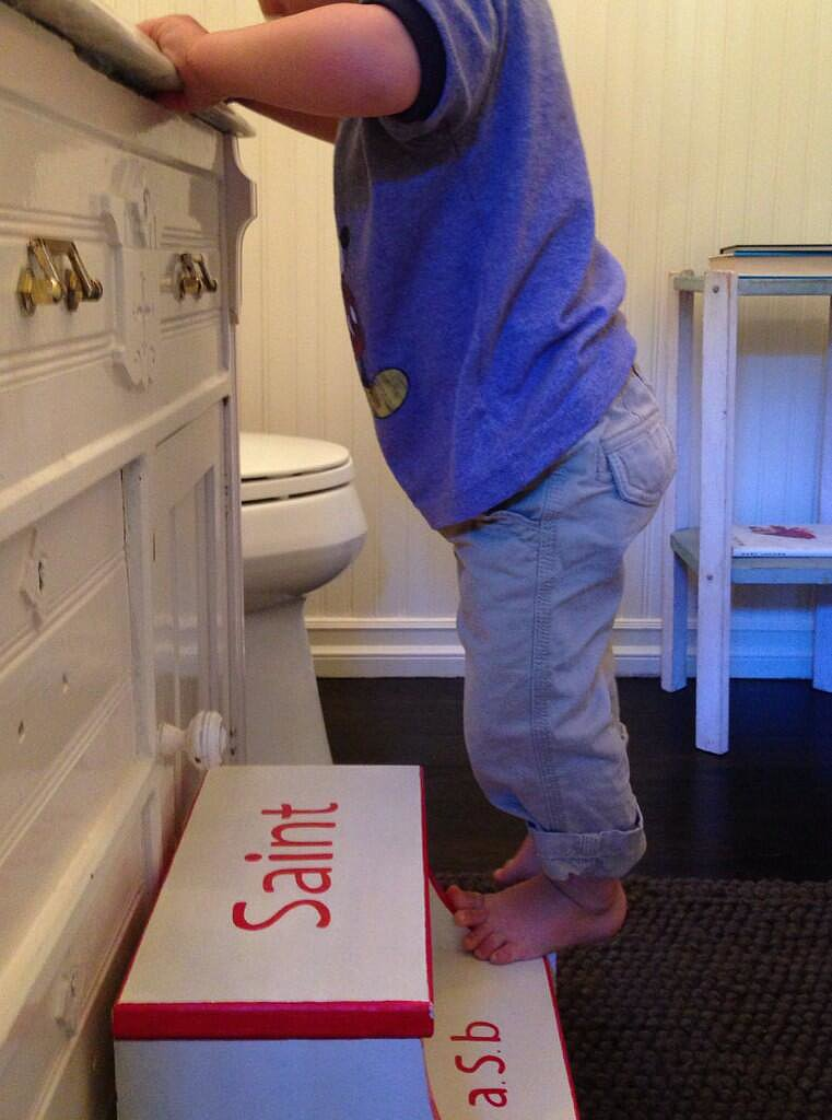 Arthur Saint Bleick got a step up in the bathroom. Source: Twitter user SelmaBlair