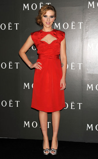In vintage red Givenchy with a sweetheart cutout, Scarlett got our attention at Moet & Chandon's Tribute to Cinema in October 2009.