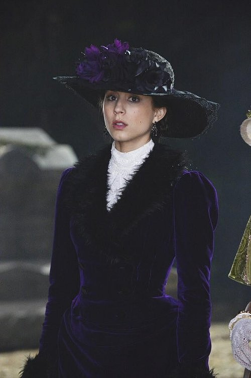 A closer look at Spencer's picturesque ensemble. Photos courtesy of ABC Family