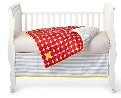 giggleBABY Red Dot Three-Piece Baby Bedding ($125)