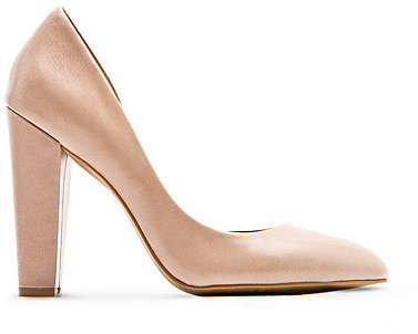 Asymmetric leather pumps