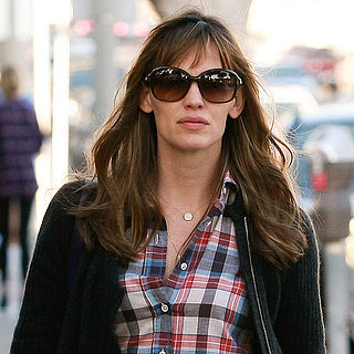 Jennifer Garner Walking in LA | Pictures