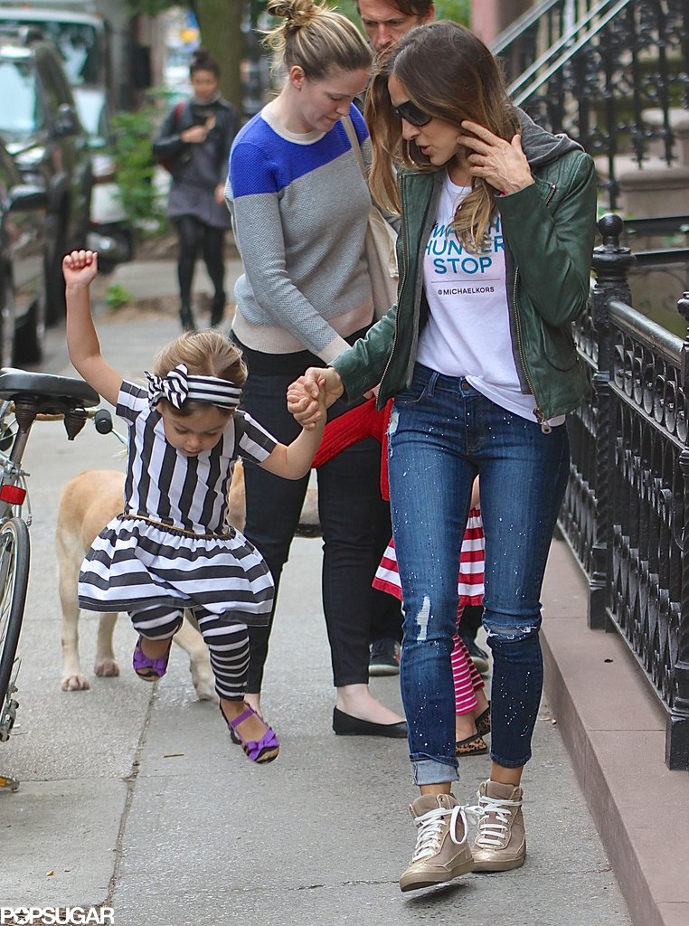 Sarah Jessica Parker held on to Tabitha as she jumped up during their morning walk.