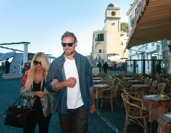 Jessica Simpson and Eric Johnson walked through Capri.