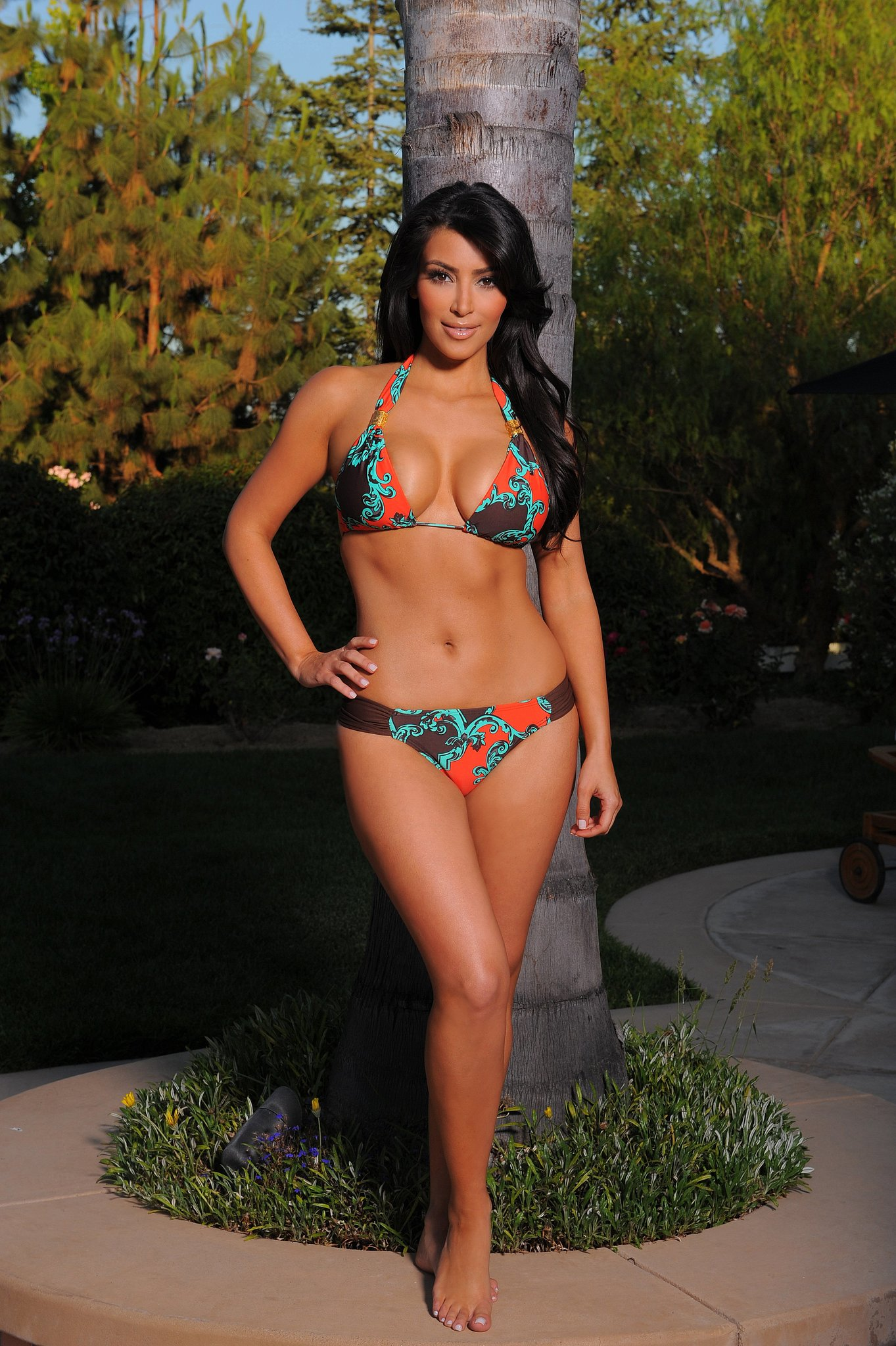 Kim Kardashian showed off her hot bikini body during an LA photo shoot in July 2009.