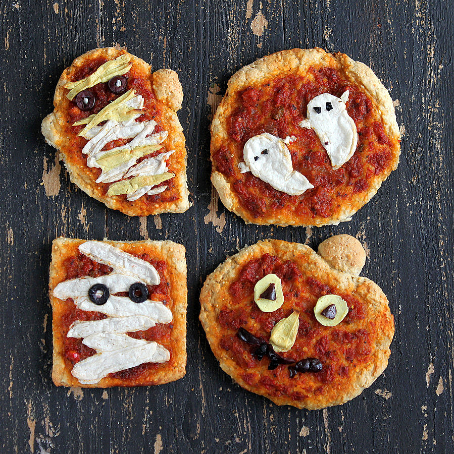 Vegan Halloween Pizzas