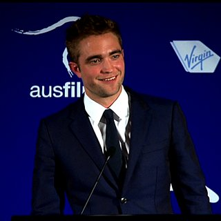 Robert Pattinson at Australians in Film Awards 2013 | Video